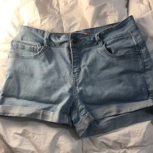 Light stretchy shorts from Wax Jean in size 8